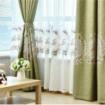 Rèm cửa phòng khách bằng vải đẹp sang trọng
