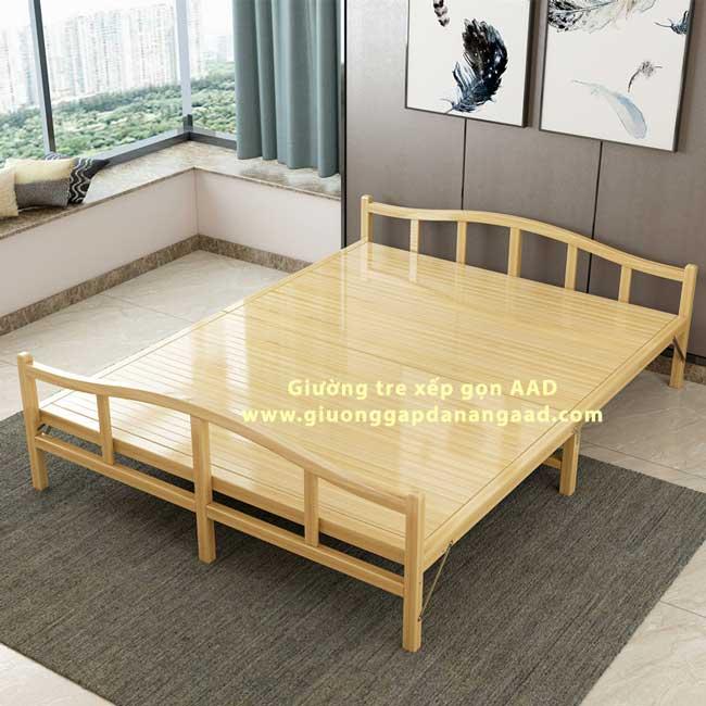 giường xếp bằng tre màu vàng nhạt