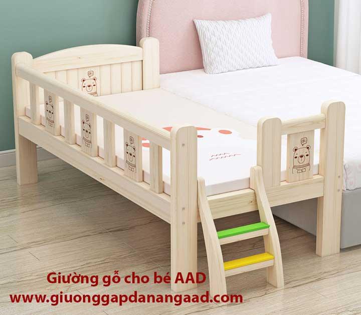 Giường gỗ cho bé có bậc thang